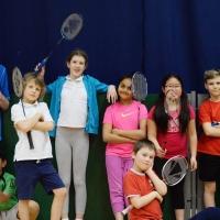 kids-badminton-practice