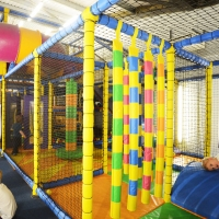 kids-enjoying-fun-factory-oxstalls